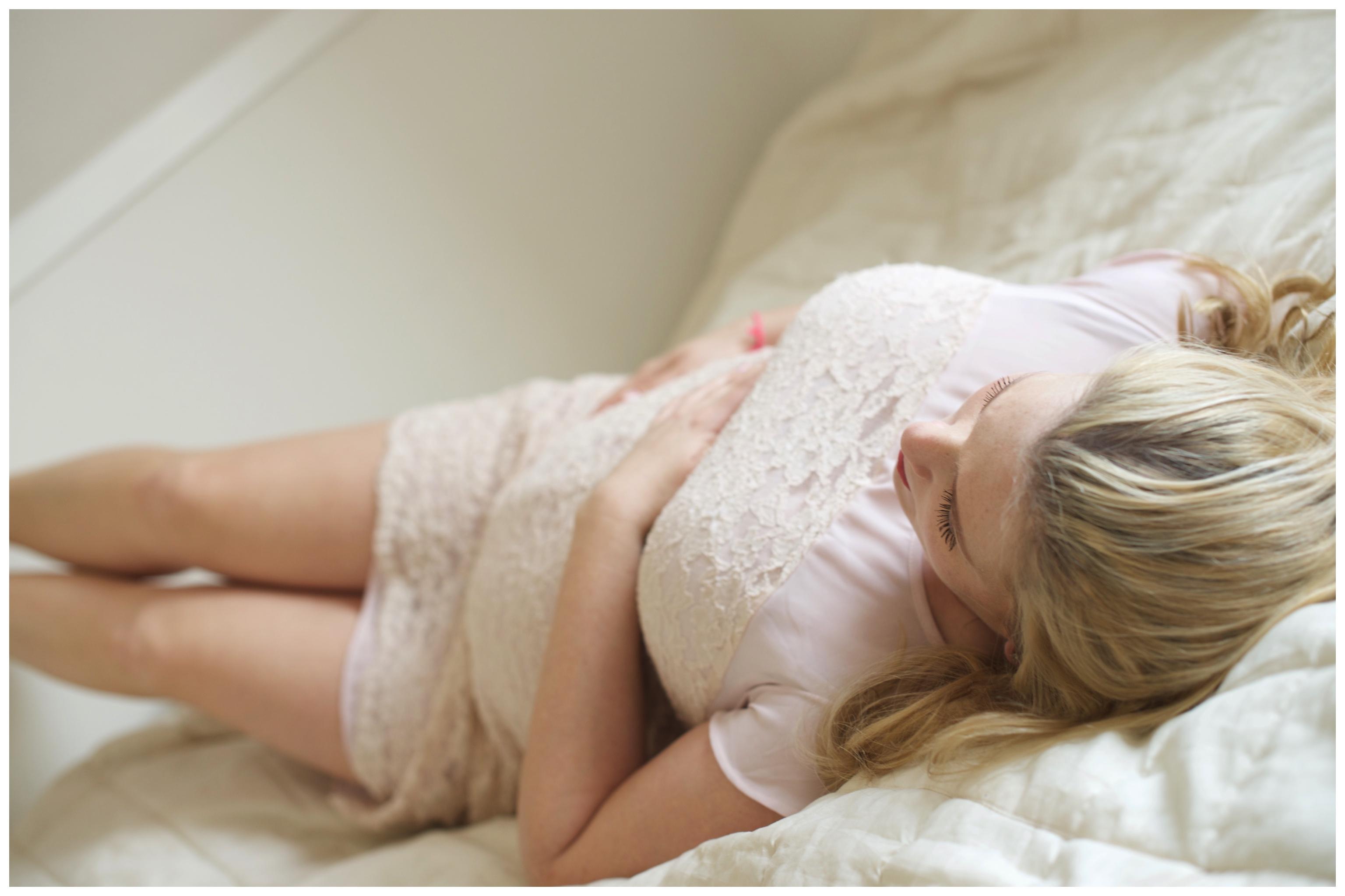 Hemma-hos gravidfotografering Fotograf Danderyd Fotograf