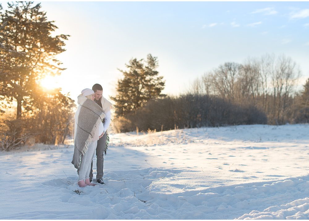 Gravidfotografering i magiskt vinterväder