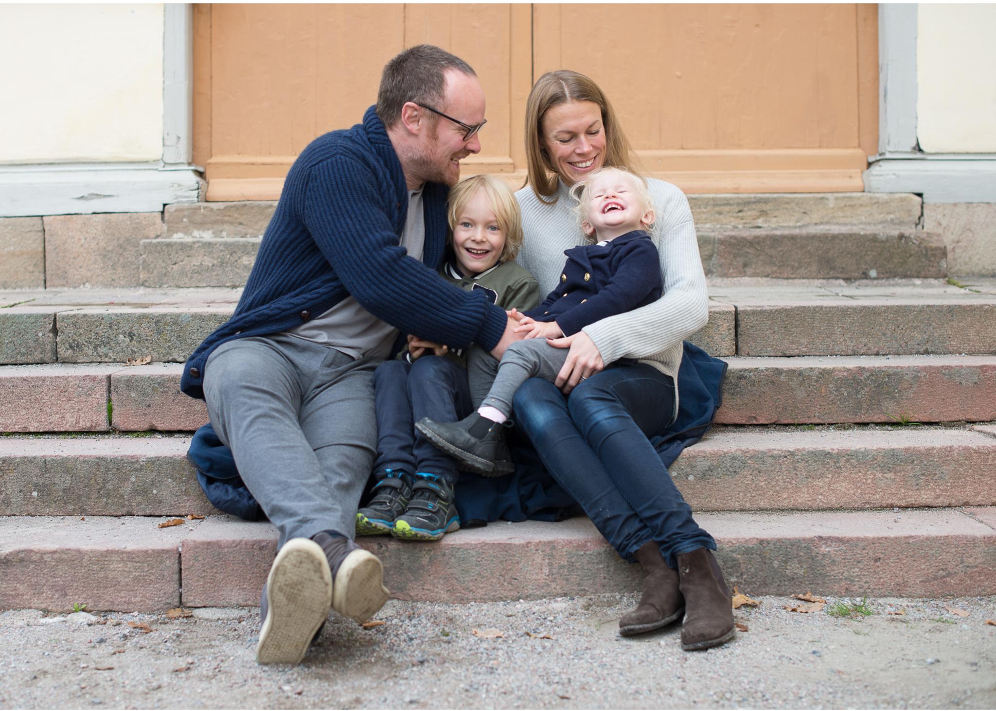 Fotografering på Drottningholm med familjefotograf Erika Aminoff