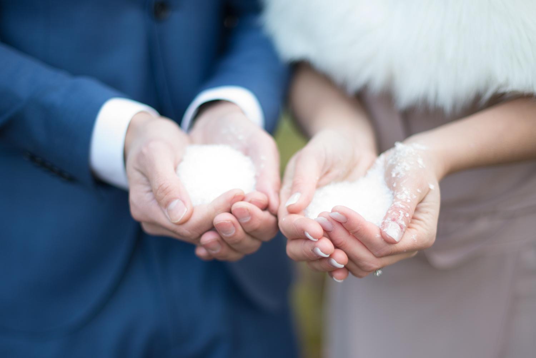 Vinterbröllop bröllopsfotograf Erika Aminoff Fotograf Täby